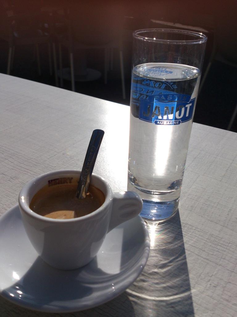 Estupendo espresso en el pueblo para despedirnos